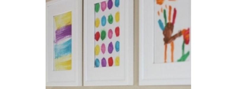 """""""Toda a criança é um artista"""": sugestões úteis para organizar desenhos e pinturas"""